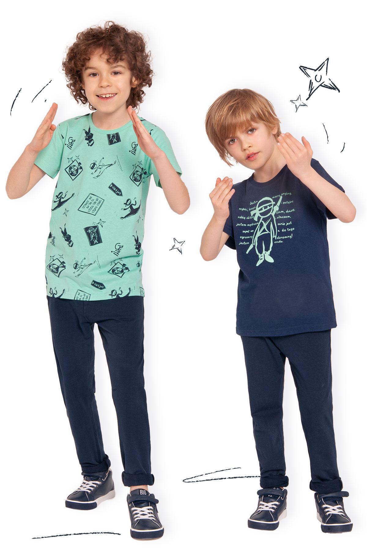 T-shirty z krótkim rękawem dla chłopców z kolekcji Ninja, zdjęcie z sesji zdjęciowej