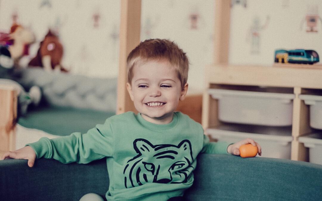 Brakuje pomysłów na zabawy z dzieckiem w domu? Dzielimy się radami, jak zająć podopiecznych