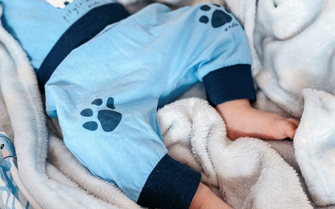 Pierwsze chwile na świecie, czyli jak skomponować wyprawkę dla noworodka