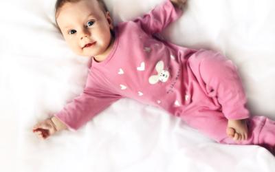 Rodzaje ubranek dla niemowląt – Fabryka Wyobraźni