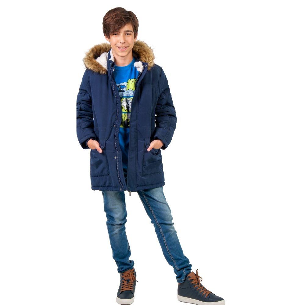 Chłopiec w zimowej kurtce dziecięcej Endo.