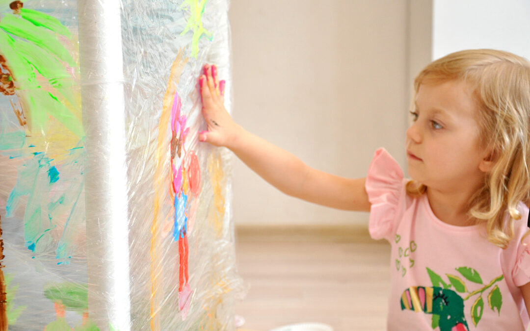 Co robić z dzieckiem w domu? Pomysły na wspólne spędzanie czasu
